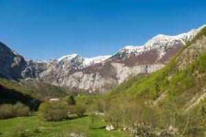 Pogled proti osrednjemu delu planine in utrdbi št. 2. Foto: Grega Žorž