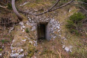Vhod v utrdbo št. 2. Foto: Grega Žorž